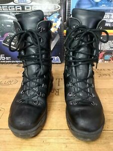 GORE-TEX BOOTS size 7 L- COMBAT BOOTS - USED  cold weather