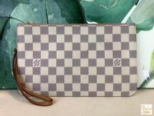 $790 LOUIS VUITTON Neverfull Pochette Damier Azur Canvas Wristlet Bag Beige SALE
