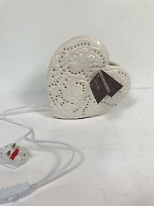 Vintage Shabby Chic Style Ceramic Heart Lamp - NEW   B36