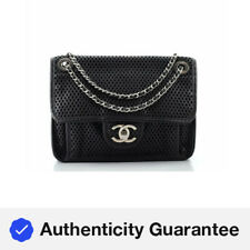 Chanel en el aire Aleta Bolso Cuero Perforado pequeño