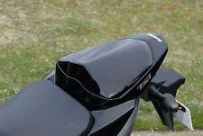 GSR750 Soziusabdeckung Sitzkeil Sitz Cover NEU OVP schwarz lackiert Originateil