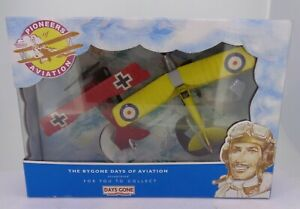 Vintage Lledo Pioneers of Aviation DogFight Duo Red Baron Camel Capt Brown Boxed