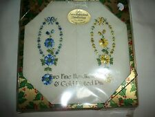 VINTAGE 2 PC LOT LADIES HANDKERCHIEFS EMBROIDERED W/ ORIGINAL BOX 1 BLUE 1 GOLD