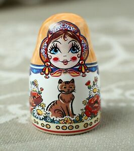Thimble Big MATRYOSHKA DOLL CATS Nesting Solid Porcelain Russian Ethnic Souvenir