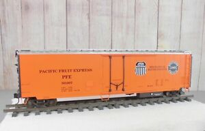 """USA TRAINS / SOUTHERN PACIFIC - UNION PACIFIC """"Pacific Fruit Express"""" 50' REEFER"""