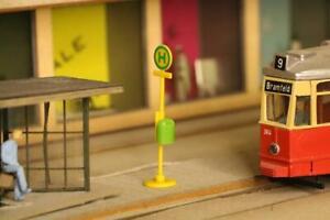 Stadt im Modell 9112 Straßenbahnhaltestellen Schilder 5 Stück H0 1:87