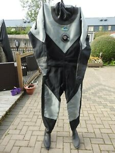 hunter gates pro cbx 450 dry suit size8 boots m/l good cond fresh water only