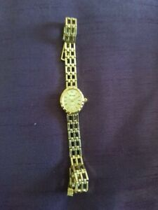 Ladies 9ct Gold Sovereign With Diamond Watch Not Scrap