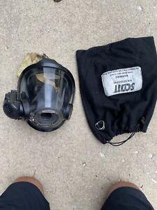 Scott Firefighter Turnout SCBA Mask -AV3000 - Size M Medium Includes Amplifier