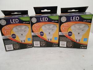 3 GE LED OUTDOOR Floodlight SOFT WHITE 7 Watt 50 Watt PAR20 NEW 157