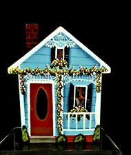 VTG DECORATED WOODEN COUNTRY COTTAGE SHELF SITTER 4 X 4 X 3/4 BY J. LUCAS