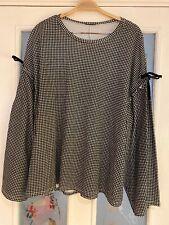 Ladies Clothes Size Medium Zara Trafaluc Black White Tshirt Top  (617)