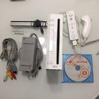 Nintendo Wii White Console RVL-001 Game Cube Compatible Complete Bundle