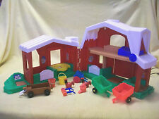 FISHER PRICE LITTLE PEOPLE FOLD BARN STABLE W ANIMAL SOUNDS & 14 FARM TOY ACCESS