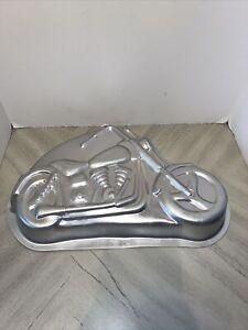 """WILTON 1999 MOTORCYCLE Harley Davidson Style CAKE PAN 2105-2025 15"""" X 10"""""""