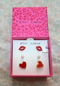 NEW BETSEY JOHNSON gift box 3 sets of earrings.Red lips,red hearts,round pear.