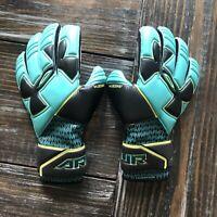 Under Armour Desafio Pro Goalkeeper Soccer Gloves 1279427-594 Mens Size 9 NEW!
