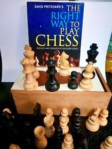 Vintage STAUNTON Pattern Wooden Chess Pieces In Wood Slide Top Box + FREE BOOK