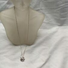 Pretty Tiffany And Co sterling 925 Daisy pendant necklace