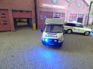 Oxford  oo Garda Irish Police Transit with working flashing emergency lights