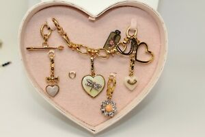 JUICY COUTURE - Goldtone Toggle Bracelet & Charm Set in Heart Box