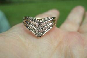 Vintage 10k Gold Diamond Chevron Ring.. Size 5.75