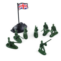 100pcs Plastic Toy Military Soldiers Army Men Figures in 12 Poses With Flags