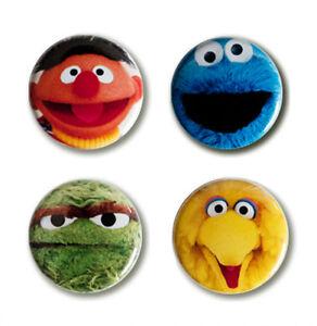 LOGOSHIRT - Sesamstrasse - Helden - Monster - Anstecker - Buttons - 4er Set