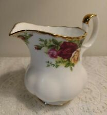 Royal Albert Old Country Roses Creamer Bone China 1962            18