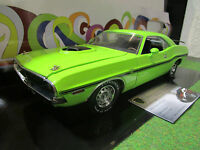 DODGE CHALLENGER HEMI SHAKER R/T vert de 1970 au 1/18 d GREENLIGHT 12931 voiture