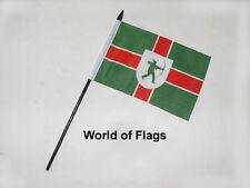 "NOTTINGHAMSHIRE SMALL HAND WAVING FLAG 6"" x 4"" Nottingham County Table Display"