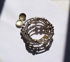 Bracelet femme 4 rangs  enroulés avec ... médaille porte-photo