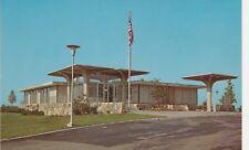 (W)  Utica, MI - Stoney Creek Metro Park - Visitor Center - Exterior and Grounds