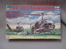 AH979 ESCI WWII WW2 HELICOPTERE AB-205 TRANSPORT 9005 1/72 DIORAMA MAQUETTE