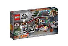 LEGO 75932 Jurassic Park Velociraptor Chase  *  Brand New