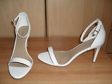 LADIES WHITE ANKLE STRAP SHOES / SANDALS SIZE 9 / 43 (TRANSVESTITE TV CD DRAG)