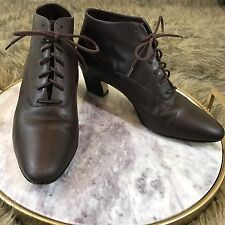 Apostrophe Sz 7.5 M Booties Brown Block Heel Vintage Style Lace Up Ankle Boots