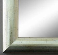 Große Deko-Spiegel im Shabby-Stil fürs Badezimmer