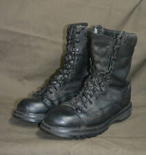 Used Canadian military combat boots size 265/96 ( around 8 1/2 )  (Z-36)