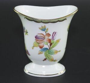 Herend Hungary Porzellan Vase Höhe:12,5 cm Queen Victoria Handpainted 6474