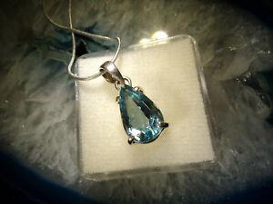 Geschenkset: Edler Topas Anhänger in Silber gefasst plus Silberkette   (A18)