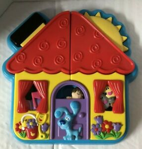 Blue's Clues Surprise 'n Find Playhouse Puzzle   11 pieces   2001 Fisher Price