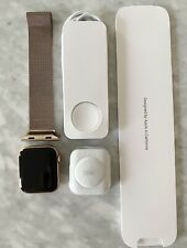 Apple Watch Series 4 Gold Aluminum 40mm GPS/LTE with Gold Milanese Loop Band