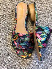 Pour La Victoire Plv Floral Satin Mules Wood Heel Accents Womens Size 7.5 M