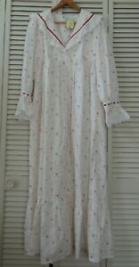 NWT The 1 For U Small Amelia Vintage Rose Floral Victorian Night Gown Pockets