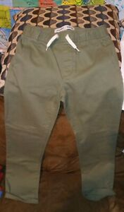Boy Old Navy Relaxed slim Built in Flex Green Nwot size 8