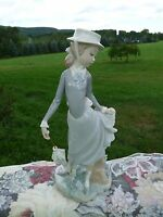 LLADRO Spain YOUNG LADY IN TROUBLE Figurine #4912 by Salvador Debón RETIRED 1985