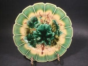 Antique Majolica Grapes and Leaves Plate c.1800's