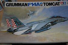 TAMIYA 1:32 GRUMMAN F-14A TOMCAT   60301