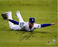 """Cody Bellinger LA Dodgers Signed 16"""" x 20"""" NLCS G4 10th Inning Catch Photo"""